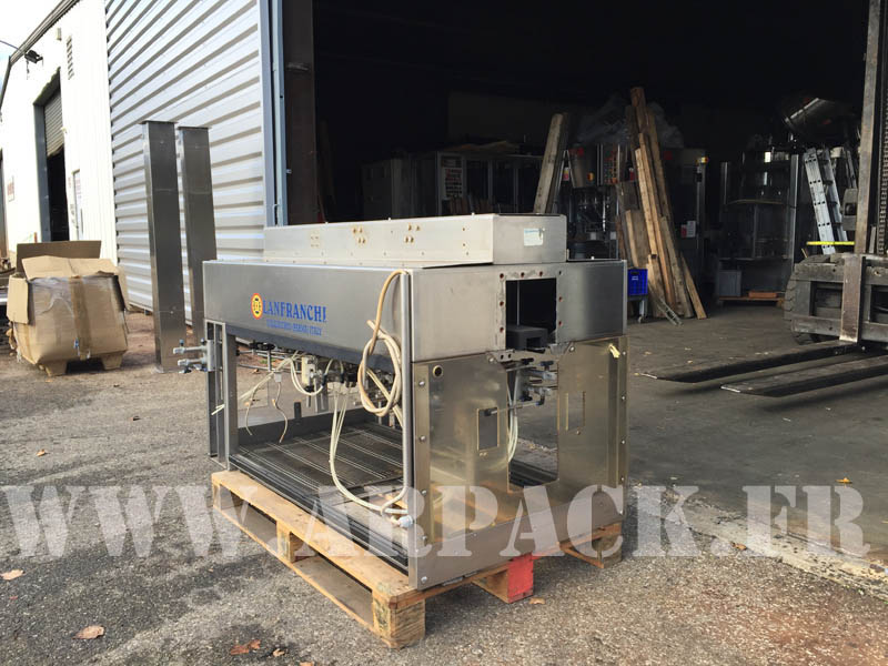 PET bottle air conveyor
