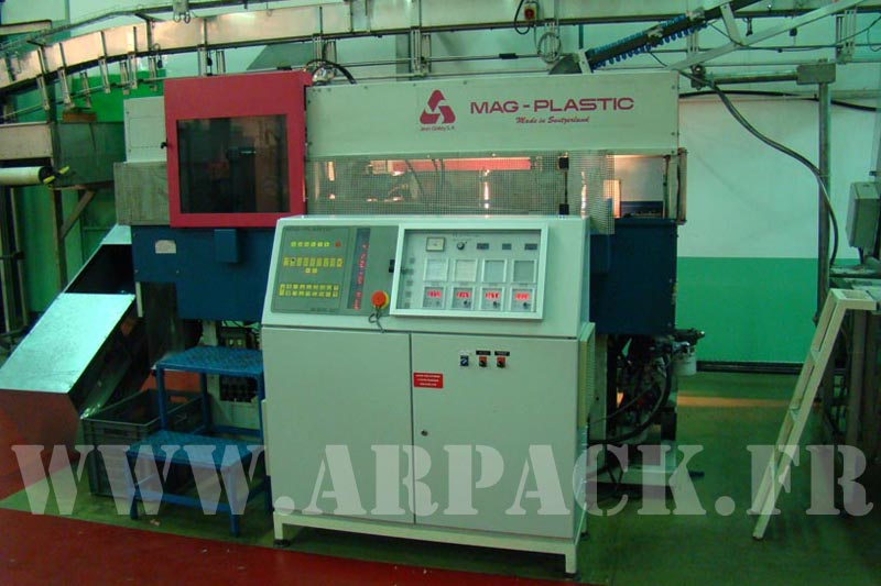 Used blow-moulding machine Mag Plastic SSB20